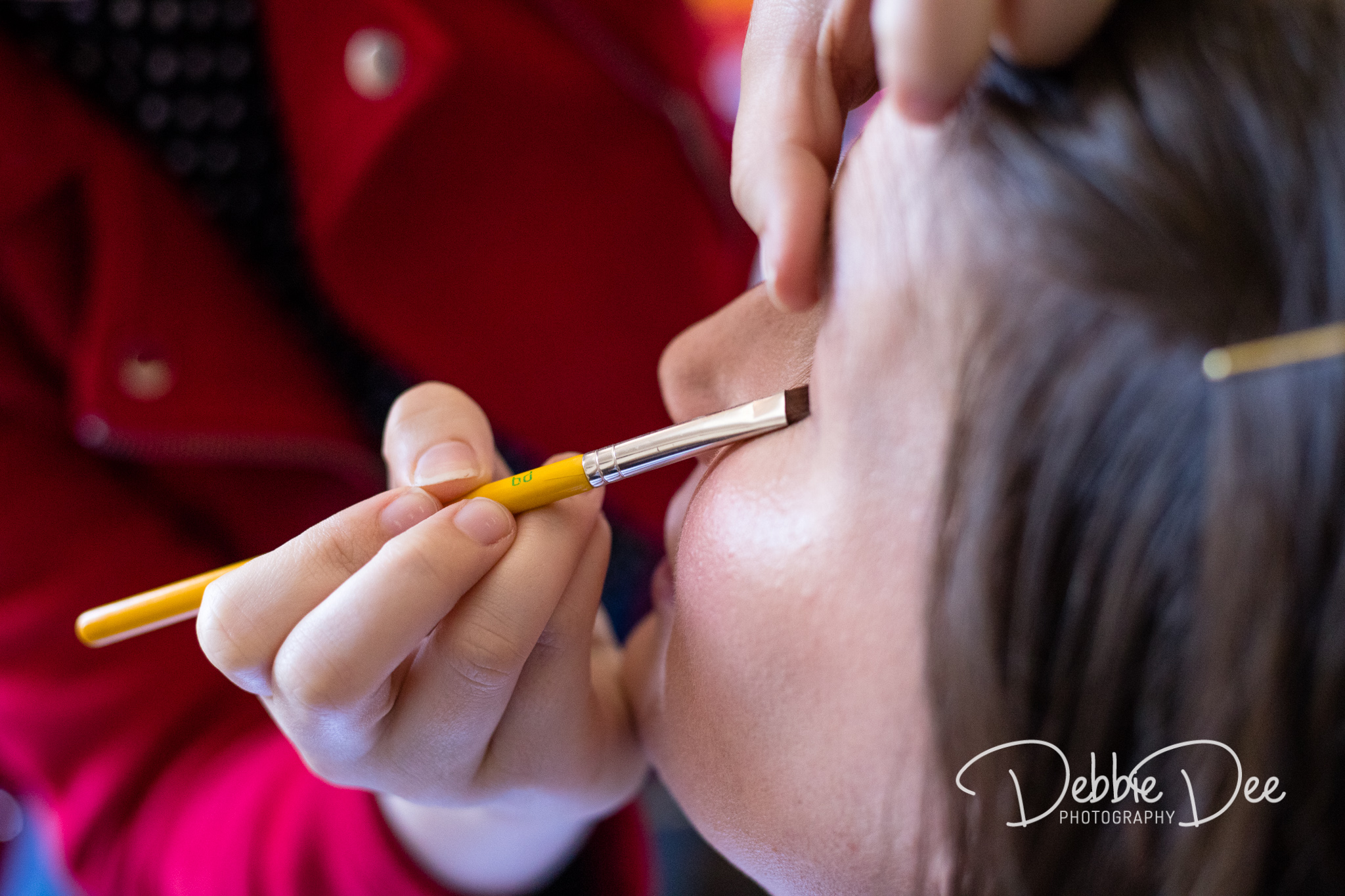Aberdeenshire Maternity Photography Session - Make-up by Tiffany Dawson Make-Up Artistry - eye make up being applied