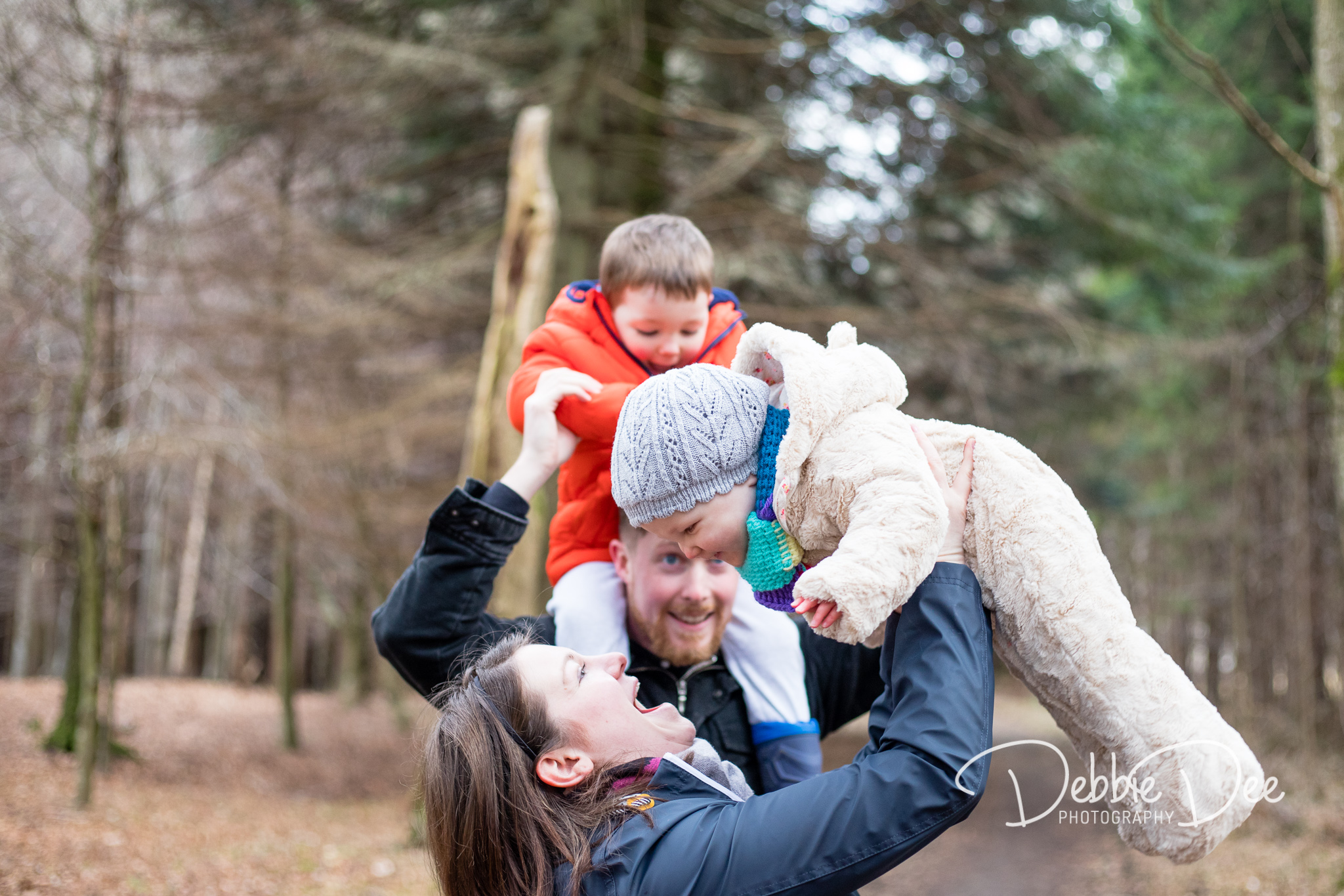 Family Photography Aberdeenshire - Leith Hall Aberdeenshire - Debbie Dee Photography - Outdoor Family Photography Sessiom - mum lifting baby in the air