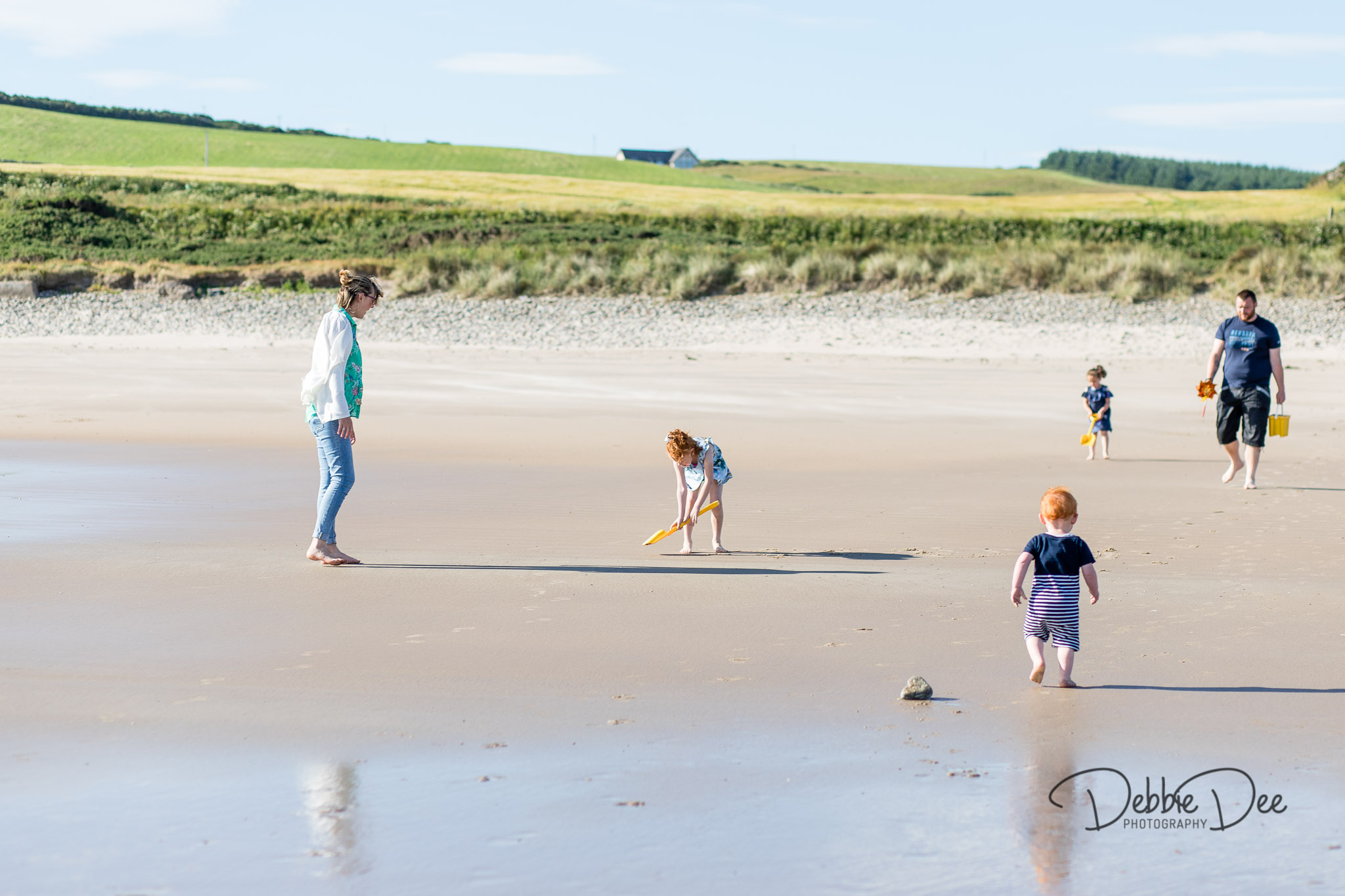 Family photography session banff beach aberdeenshire Debbie Dee Photography family at beach