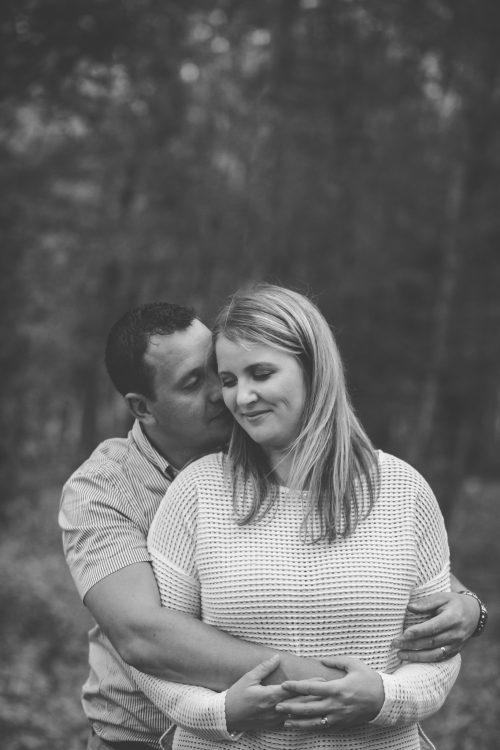 Family Photographer Aberdeenshire - Family photography aberdeenshire - Debbie Dee Photography - Lifestyle Family - mum and dad hugging