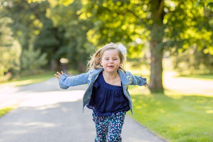 Family Photographer Aberdeenshire - Family photography aberdeenshire - Debbie Dee Photography - Lifestyle Family - girl running